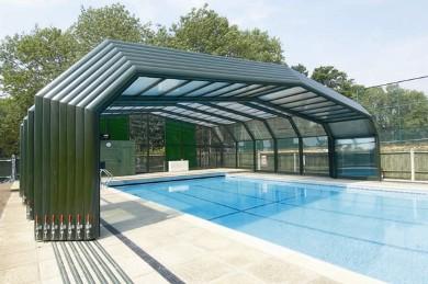 Swimming Pool Retractable Enclosures